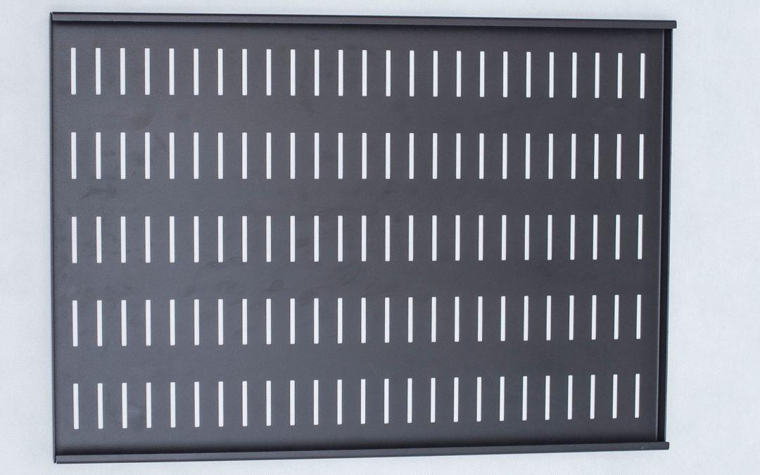 Półka stała 19″ wzmacniana z 4 punktami mocowania, głębokość 500, RAL9005