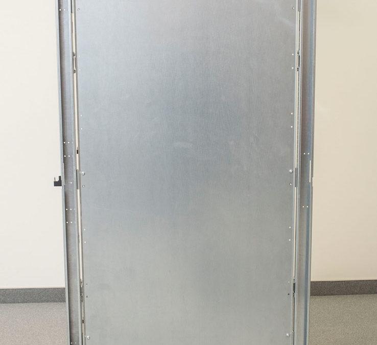 Zaślepka odzielająca połączone bokami szafy (brak osłon bocznych)